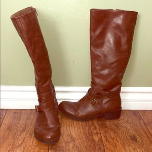 Size 10 Arizona Boots - barely used